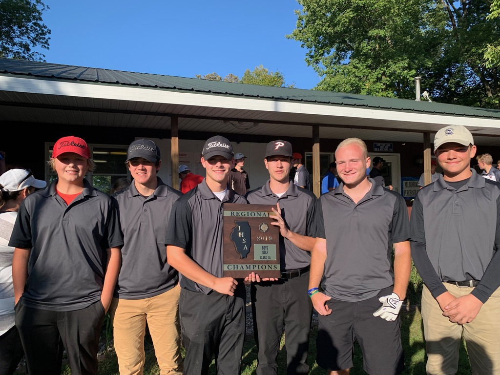 Saukee Golfers with trophy