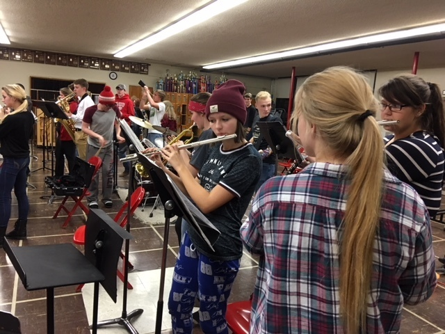 Flutes section getting in the groove.